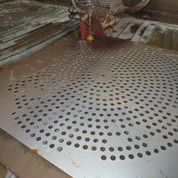 Cutting steel plate